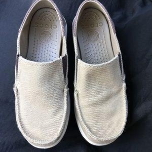b9102365dc4b4f CROCS Shoes - Crocs Santa Cruz Canvas Loafer Khaki Espresso